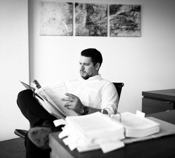 Alexander Maximilian Kossakowski, Rechtsanwalt der Kanzlei Buse Heberer Fromm