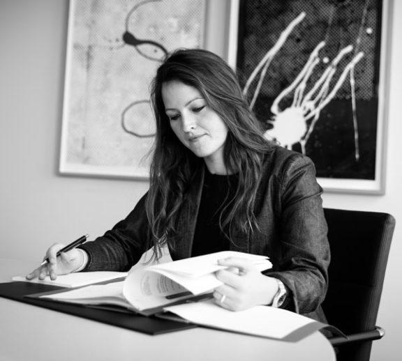Julia Bruck, Rechtsanwältin der Wirtschaftskanzlei Buse Heberer Fromm