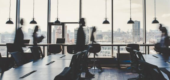 Webinar Buse: First In – Last Out? Betriebsänderung und Personalabbau rechtssicher gestalten.