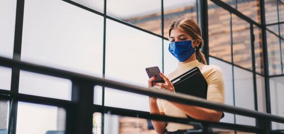 Corona Pandemic: Employer Is Able to Order Wearing of Face Mask