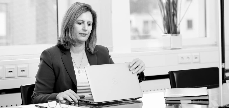 Andrea Metz, LL.M. (London) Rechtsanwältin und Partnerin von BUSE am Standort Frankfurt