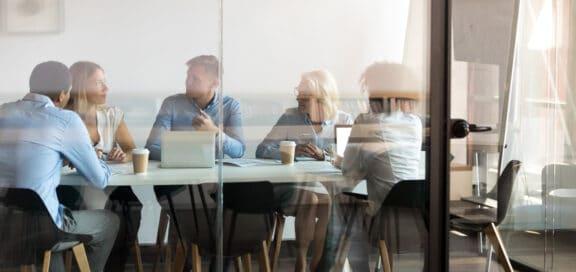 Betriebsänderung und die Einbindung des Betriebsrates. Untersagung einer Betriebsänderung im Wege einer einstweiligen Verfügung.