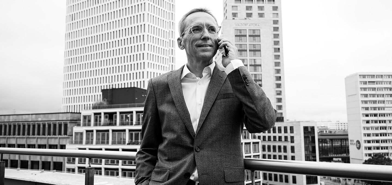 Martin Kassebohm ist Wirtschaftsprüfer, Steuerberater und Partner der Kanzlei BUSE am Standort Berlin