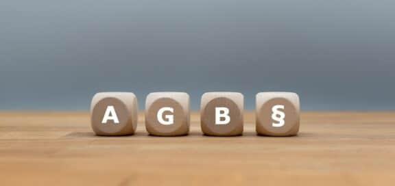 Zustimmungsfiktion in Banken-AGB unwirksam. Änderungen der AGB von Banken über eine Zustimmungsfiktion sind im Geschäftsverkehr mit Verbrauchern nicht wirksam.